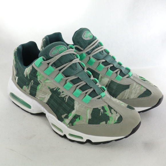 NIKE Air Max 95 PRM Tape 'Green Camo' Like New